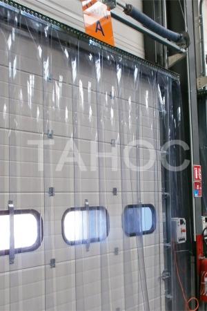 Термозавесы для секционных ворот терминала
