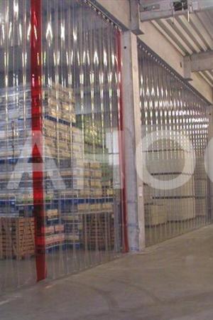 Ленточная завеса для складской линии